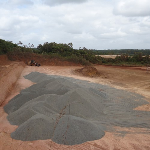 Gravel delivery for tailings raise